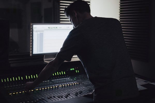 10 Jobs You Can Get In A Recording Studio-1