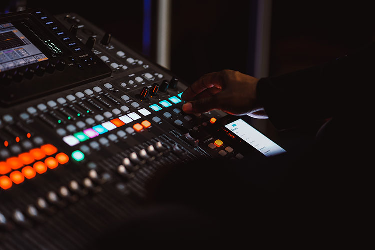 10 Jobs You Can Get In A Recording Studio-2