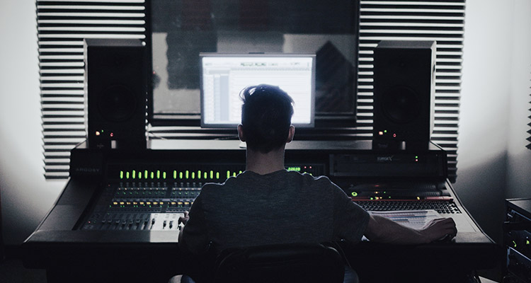 Five-Things-You-Need-To-Know-Before-Becoming-a-Music-Producer