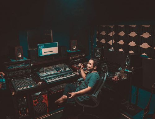 What is the Difference Between a Music Producer and a Sound Engineer?